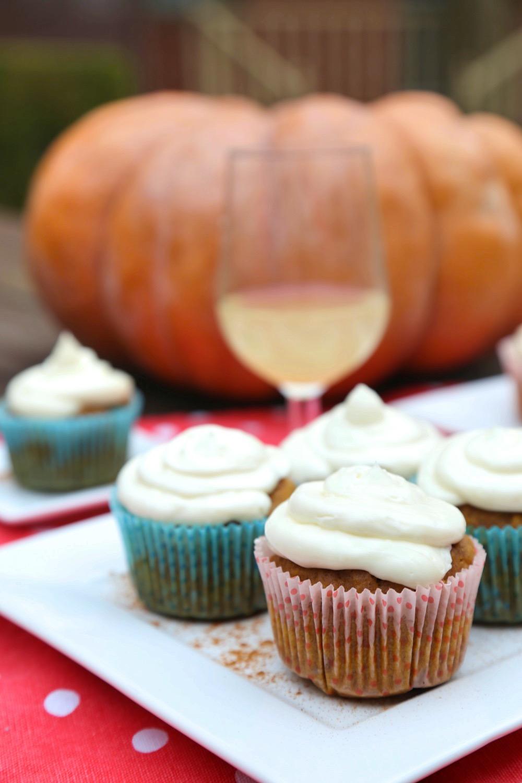Pumpkin-Cupcakes-3-122717